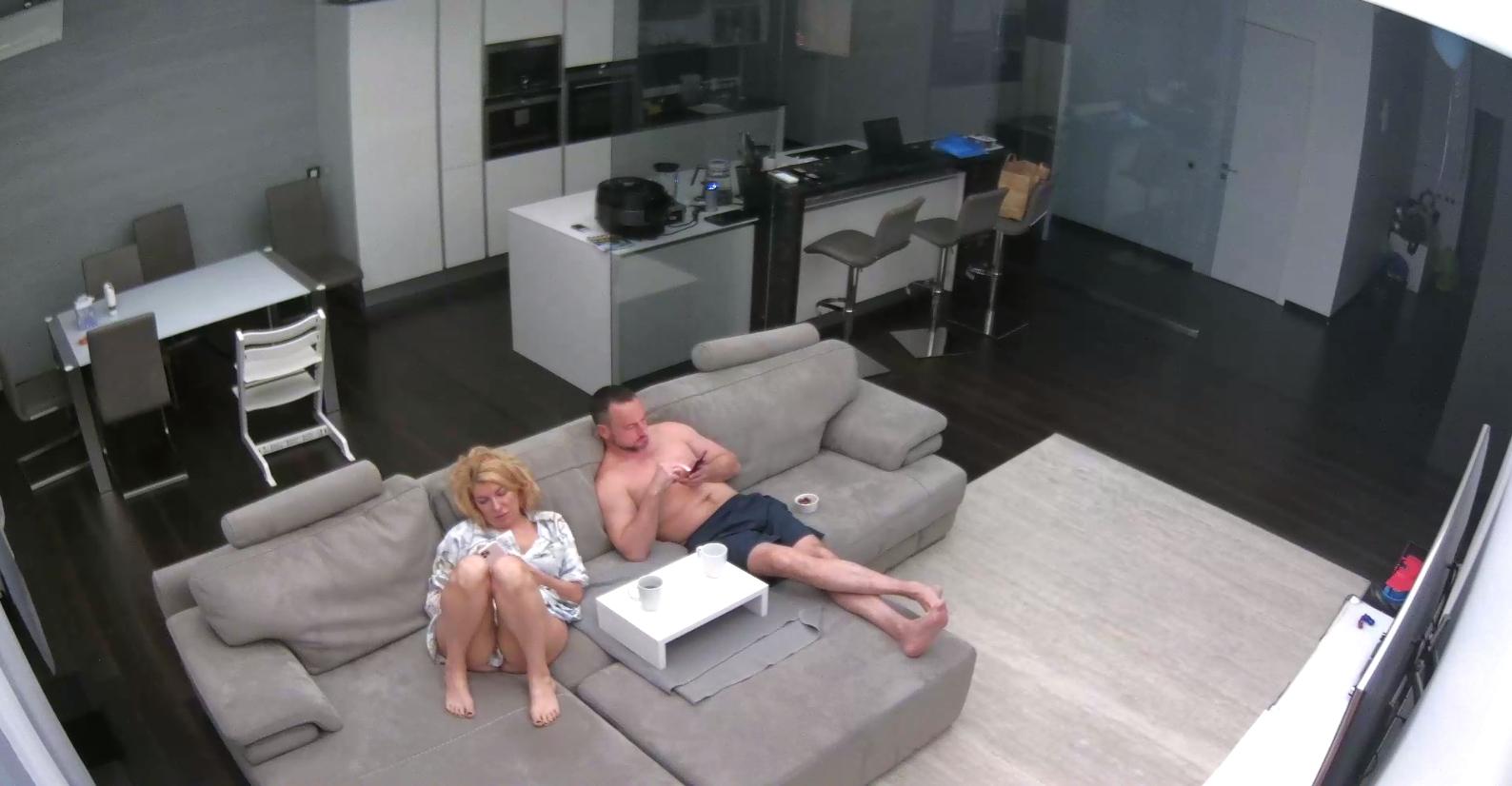 Секс в бассейне видео скрытая камера этот