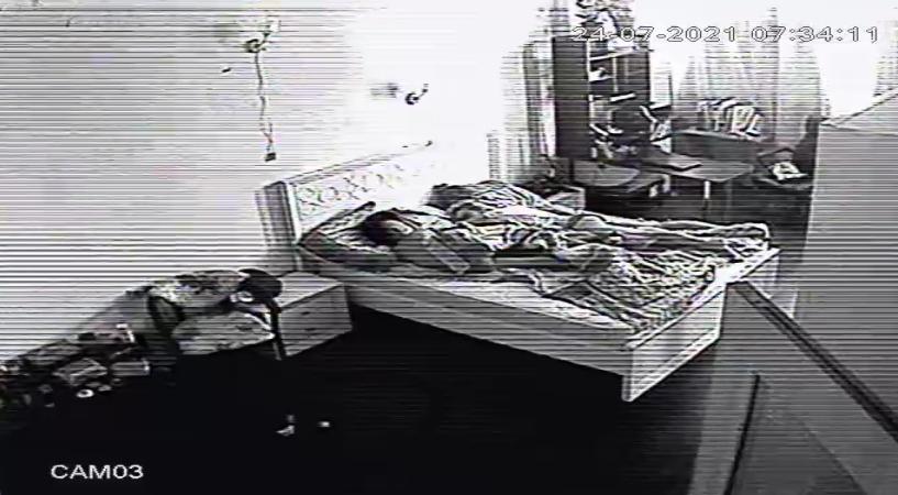 В спальне скр.камера у мамы