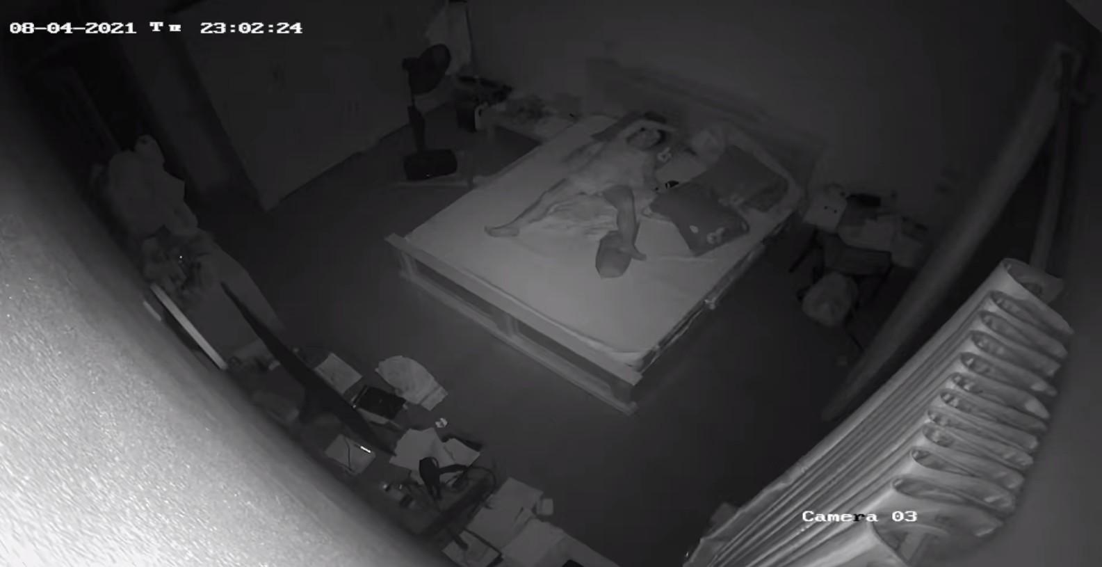 Скрытое наблюдение за мастурбацией, Подглядывание за маструбацией - видео 13 фотография